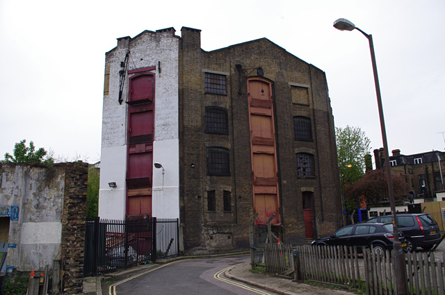 Old warehouse, Vinegar Yard
