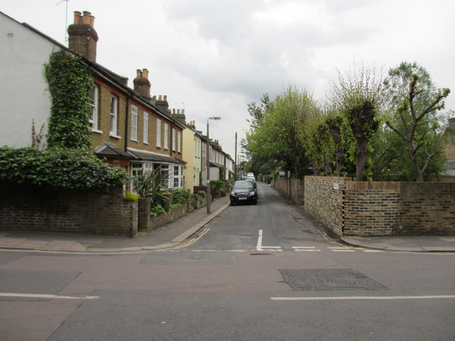 Railway Road, Teddington