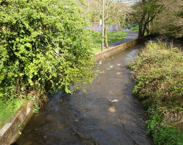 Nant Cwm-parc flows away from Aberfawr Road, Abertridwr