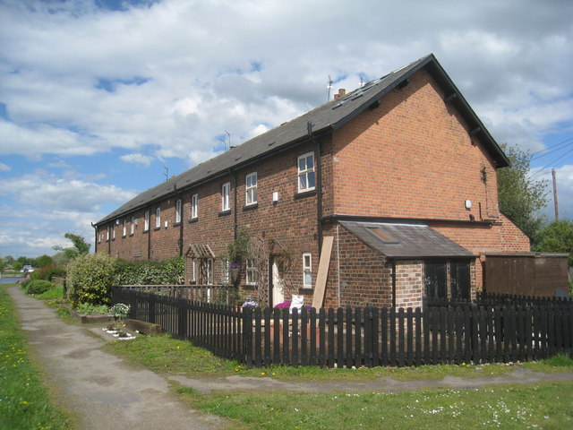 Canalside cottages. Stanley Ferry