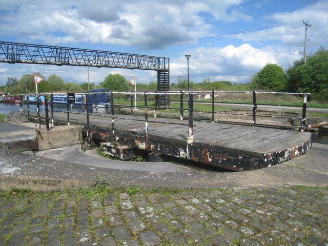Ramsden's Bridge (2)