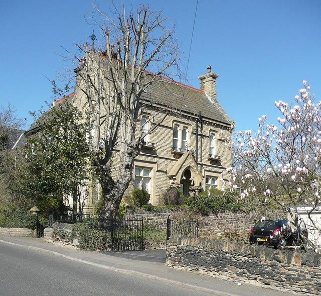 Wheatcroft Villas, Knowl Road, Mirfield