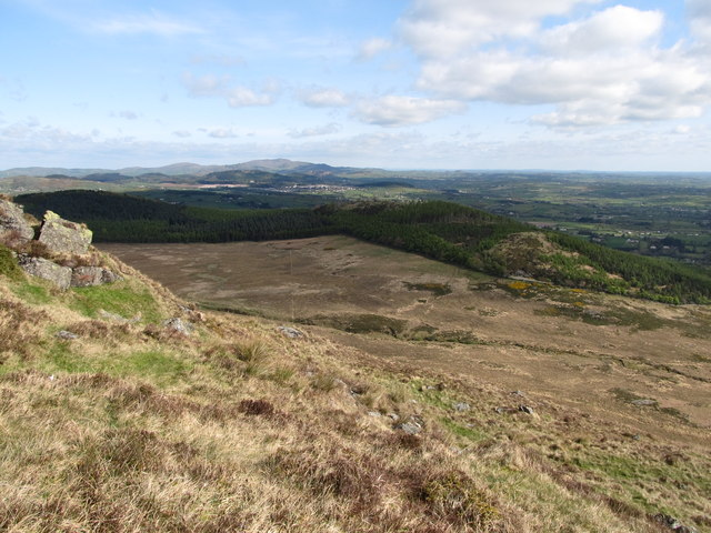 The incised valley of the Tullybranigan River from the upper slopes of Slievenabrock