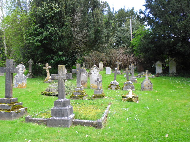 Saint Mary, Alderbury: churchyard (a)
