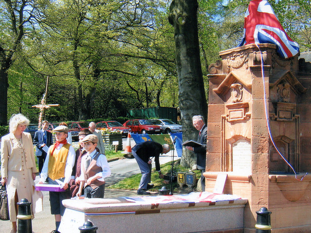 Reopening The Lickey Horse Trough April 2006