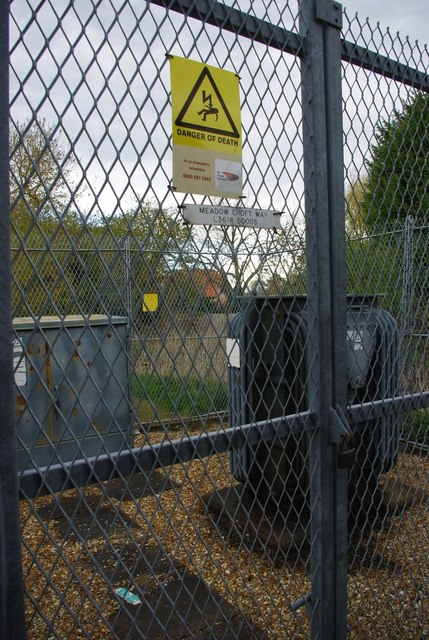 Gate to Meadow Croft Way sub-station