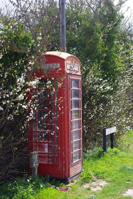 Telephone box on Fowlmere Road, Foxton