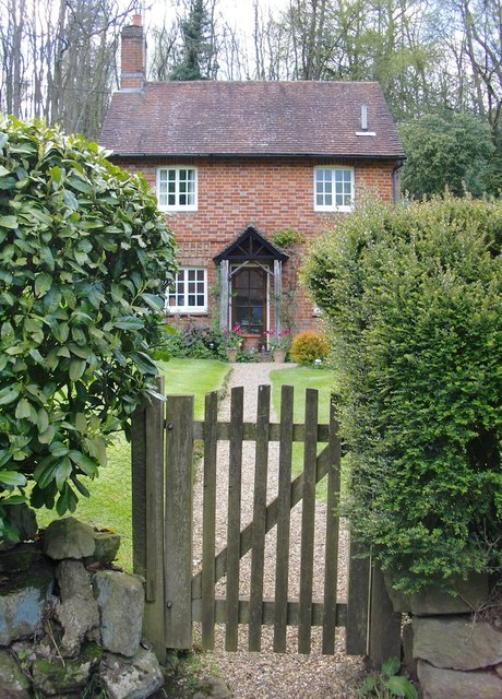 Cottage in Hollow Lane, Wotton (1)