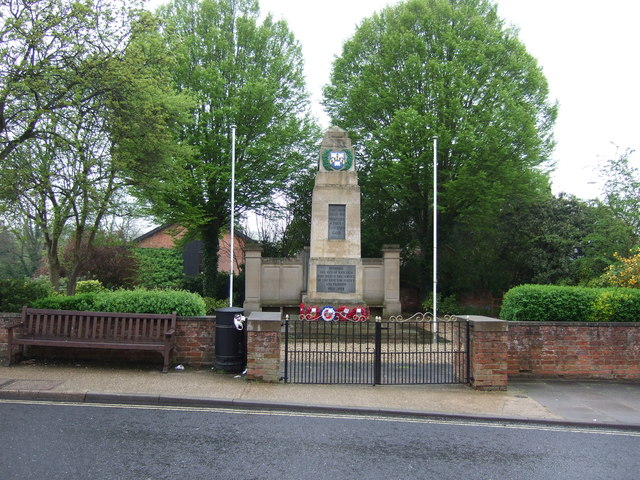 War Memorial, Hadleigh