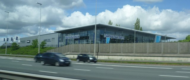 Mercedes Dealer by the M6