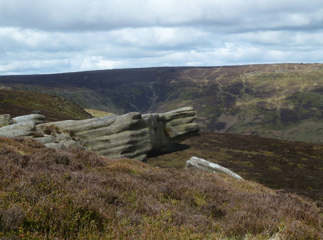 Small rock formation by Blackden Edge