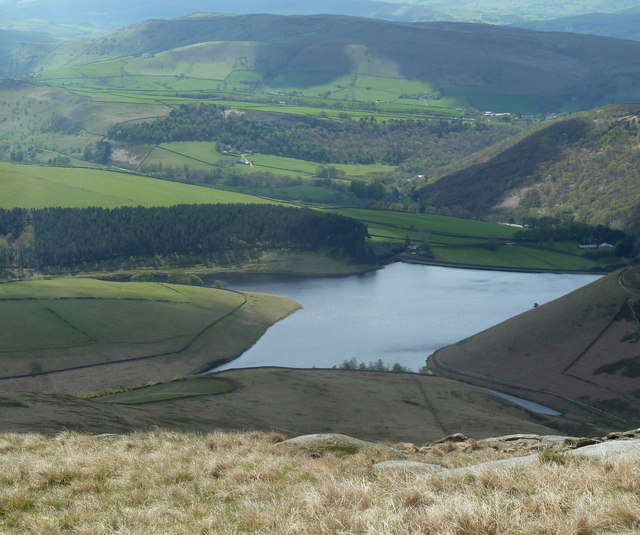 Pennine Way view over the edge
