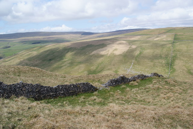 Dry stone wall above Cowside Beck