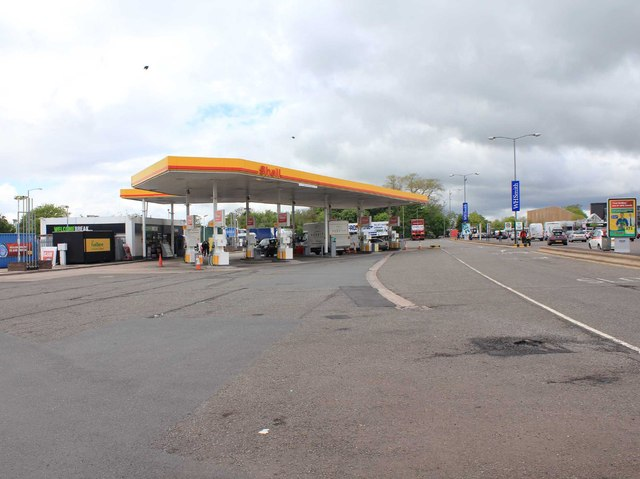 Shell filling station at Keele Services, M6 north