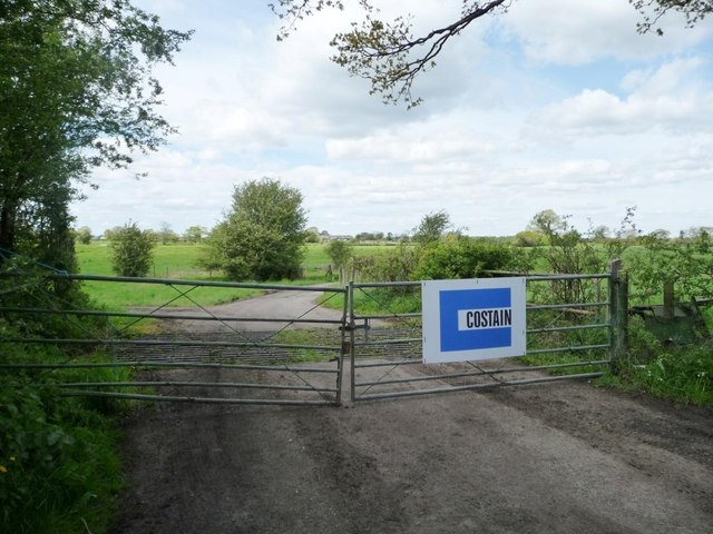 Costain's gates, west side of Back Lane