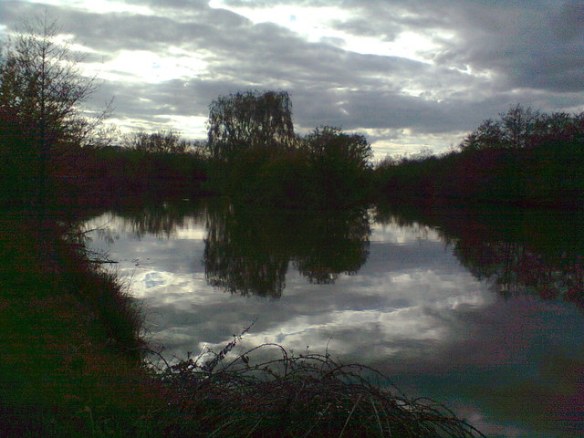 Lake on a tributary of the Stour, south of Sibford Ferris