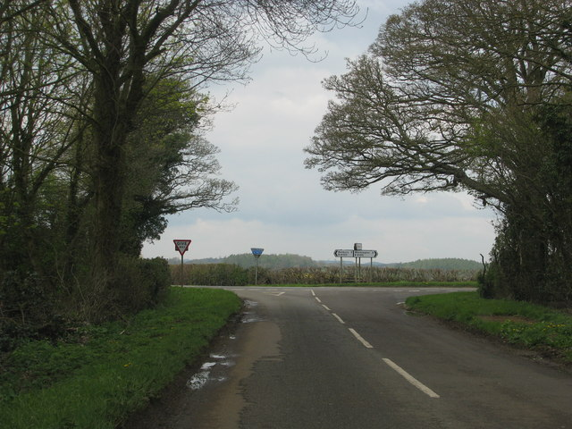 Road from Hanwell meets the B4100