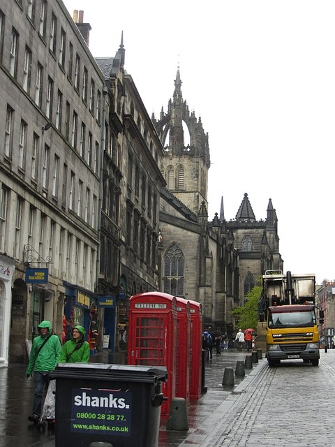 A wet day on the High Street