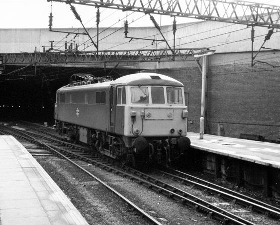 Class 86 at Birmingham New Street Station, 1981