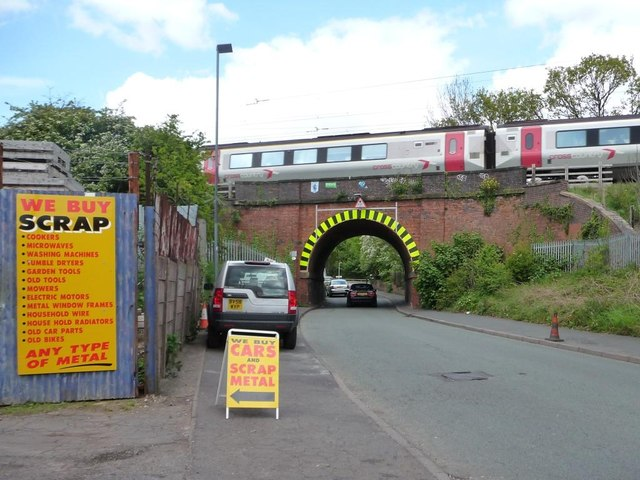 Railway bridge, Mackadown Lane
