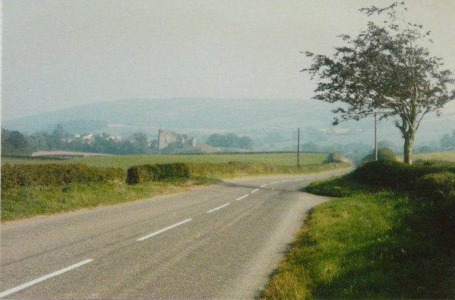 The B4368 approaching Clun from the southwest in 1985
