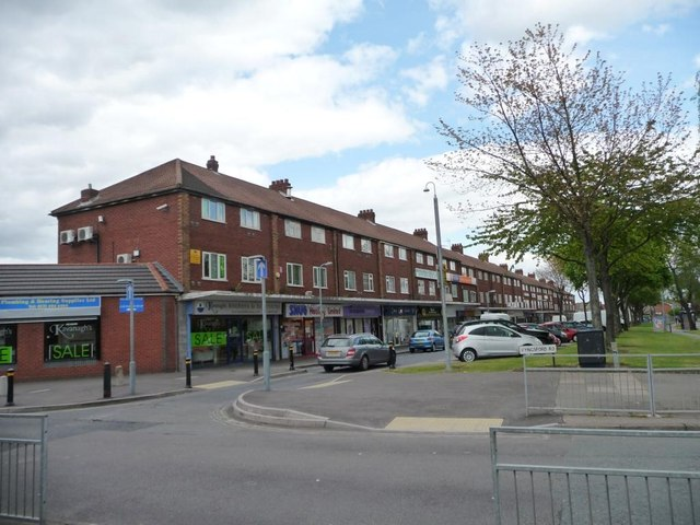 East Meadway shops, Tile Cross