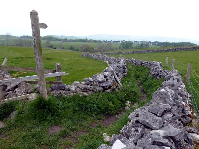 Walled footpath to Great Shacklow Wood