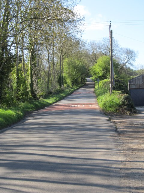 Minor road rising from the village of Long Compton