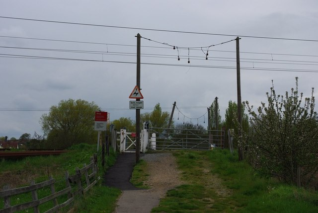 Della level crossing