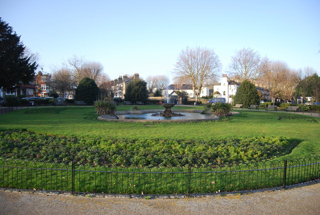 Ornamental fountain, Prittlewell Square Gardens