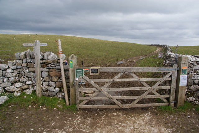 Gate to Mastiles Lane