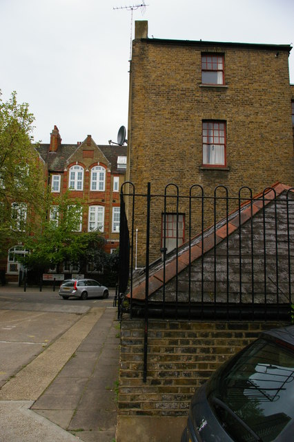 Mansford Street, E2: back of the former Unitarian manse