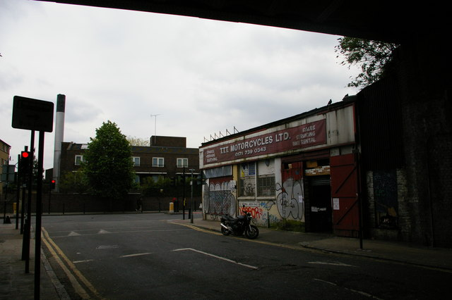 Old Bethnal Green Road, E2: looking east under the railway