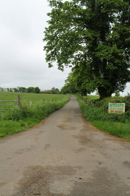 Driveway to Cliff Farm off Thorpe Drove
