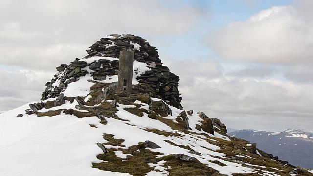 Summit, Mullach Coire an Iubhair