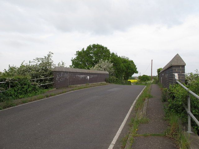 Marsh Road railway bridge