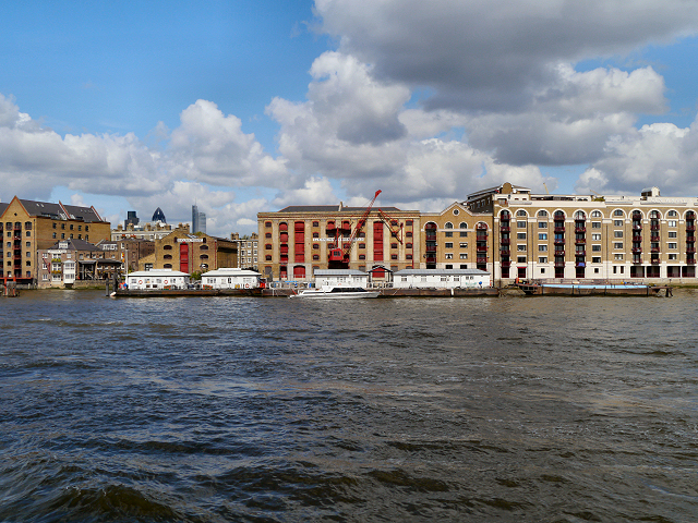 River Thames, Wapping