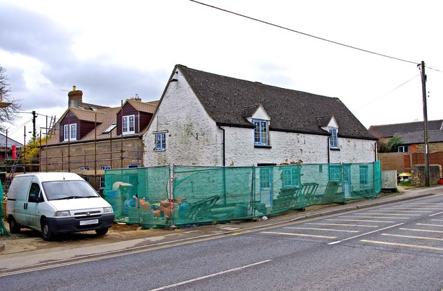The former White Horse Inn (2), Lechlade Road, Highworth