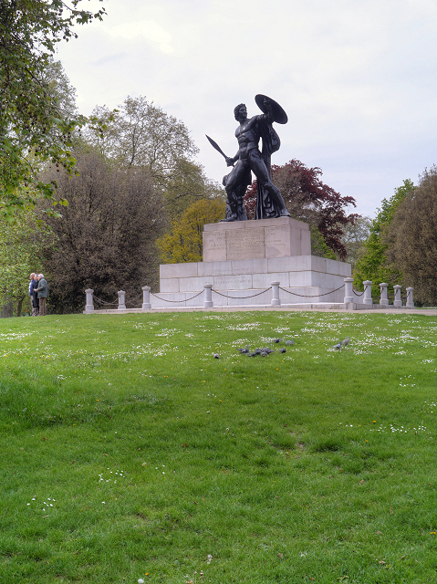 Hyde Park, Wellington Monument