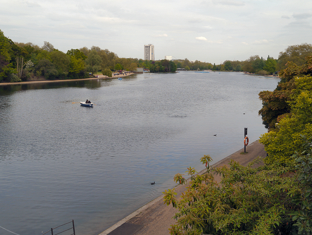 The Serpentine from Serpentine Bridge