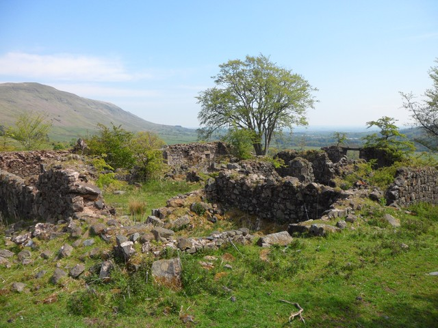 Ruined farmhouse on Campsie Fells