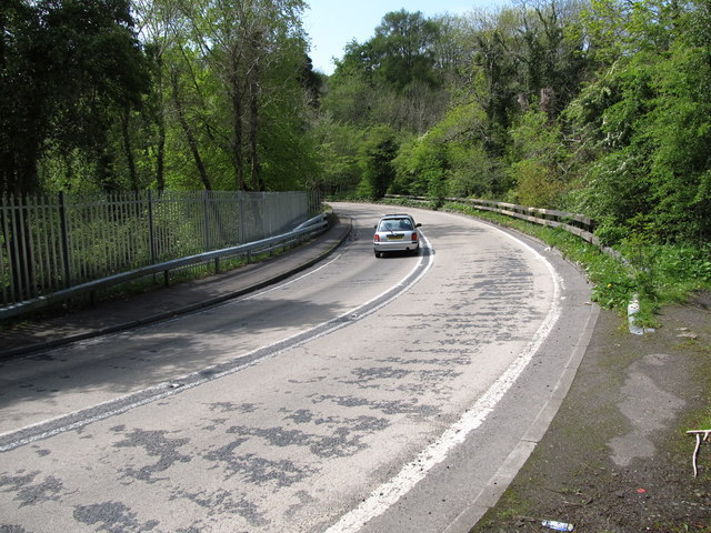 Car on the hairpin bend at Glen Bridge