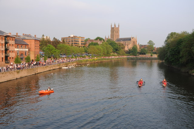 Dragon boats on the Severn at Worcester