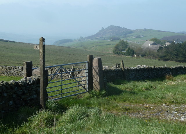 Start of footpath and view to Ramshaw Rocks