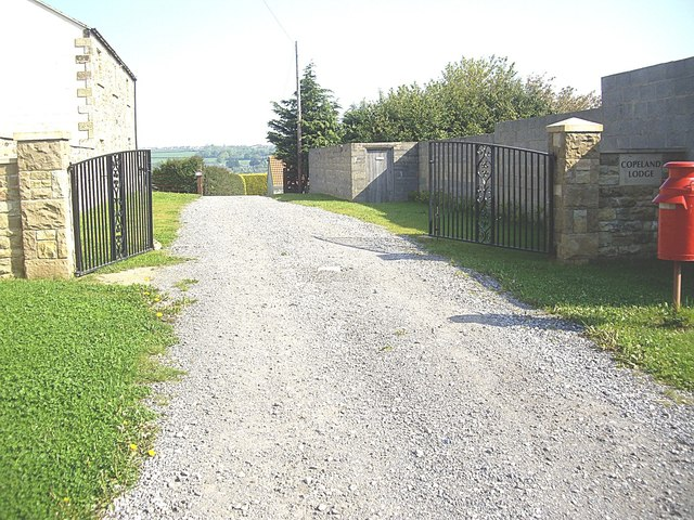 Entrance to Copeland Lodge