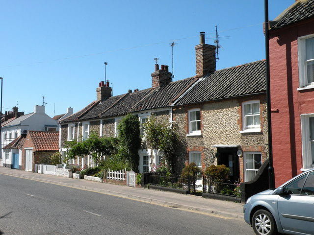 Seafarers Cottage & its neighbours, Freeman Street