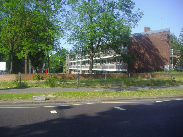 Flats on Roupell Road from Christchurch Road