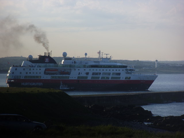 Hurtigruten Fram leaves Aberdeen