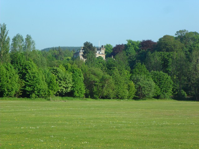 Parklea playing fields and Finlaystone House