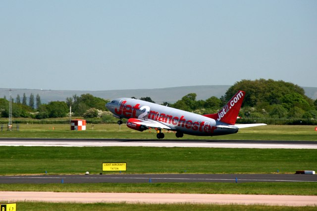 Boeing 737 on take off